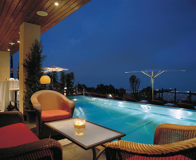 Hoteles de lujo con vistas a barcelona gran hotel la for Hoteles gran lujo madrid