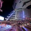 Oasis of the Seas. Espectáculo nocturno en el teatro al aire libre.