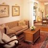 The Oberoi Grand Kolkata. Luxury Suite, salón.