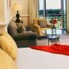 Hotel Villa Padierna, Marbella. Las espaciosas y elegantes habitaciones ofrecen vistas al Flamingos Golf Club