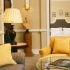 Hotel Villa Padierna, Marbella. Las Suites de Lujo disponen de una elegante sala de estar y un espacio dormitorio