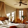 Gran Hotel Bahía del Duque Resort. Dormitorio de una suite de una Casa Ducal