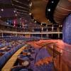 Seven Seas Mariner. Teatro