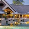 Royal Palm, el hotel más mítico de Mauricio. Zona de copas cerca de una piscina