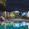 Royal Palm, el hotel más mítico de Mauricio. Restaurante al borde de una piscina