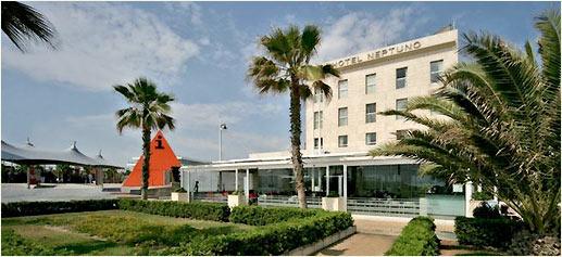 El Neptuno, en Valencia. Hotel urbano frente al mar