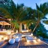 North Island Seychelles. Terraza al atardecer. Fotografía por Mike Myers