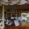 North Island Seychelles. Lounge y terraza. Fotografía por Simon Upton