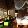 Six Senses Laamu Maldivas. Interior de una Water Villa