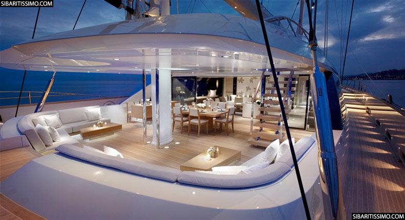 Twizzle lujo en altamar for Interior yates de lujo