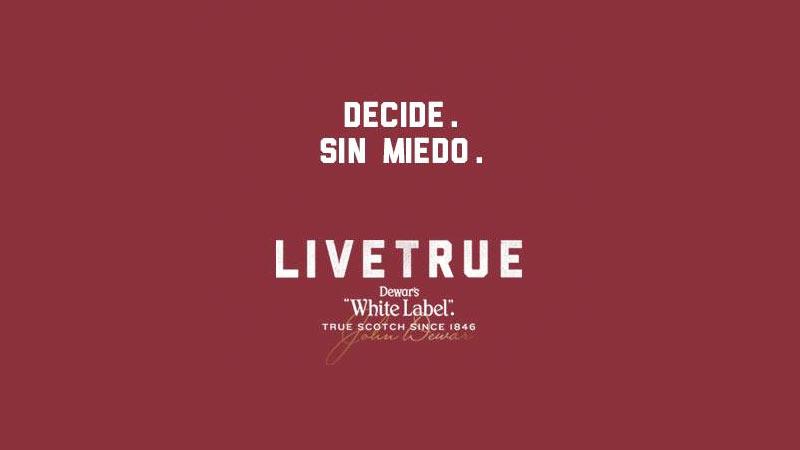 Live True con Dewar's White Label