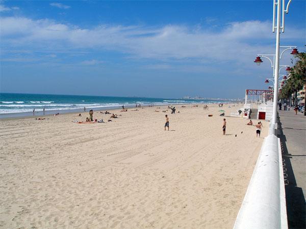 2. Playa de la Victoria